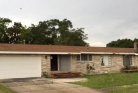 $1,300/Month-305 4th St Crestview, FL